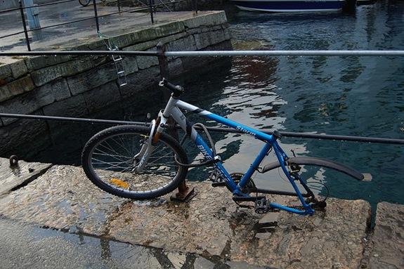 brokenbike1421695108