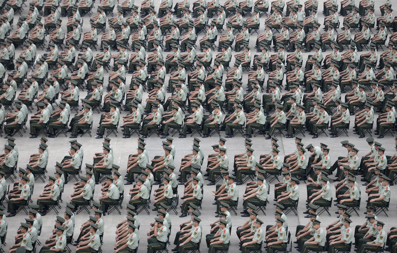 Повече от 1000 паравоенни полицаи взимат участие в пренировка в Нанджинг, провинция Джиангсу, 2014