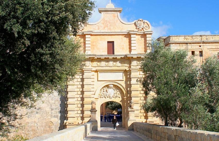1681810-R3L8T8D-850-Mdina-The-City-Gate