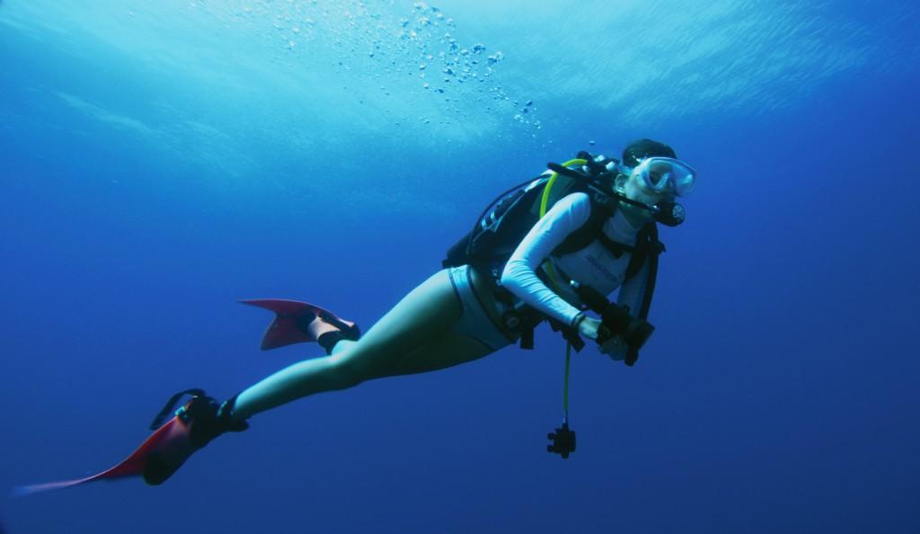 Girl_Diving.00000000