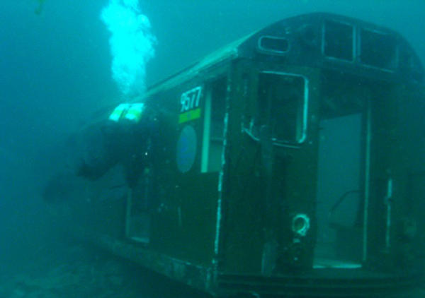 articial-reefs-the-redbird-reef-sunken-subway-cars