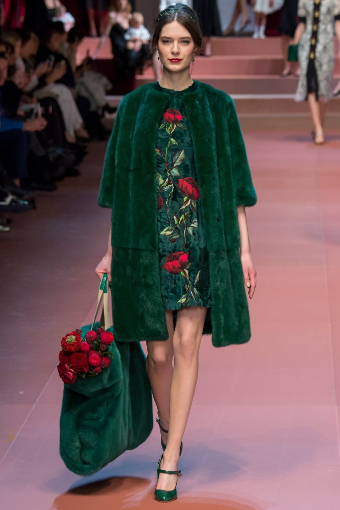 Dolce-Gabbana-Ready-to-Wear-FW-2015-MFW-11
