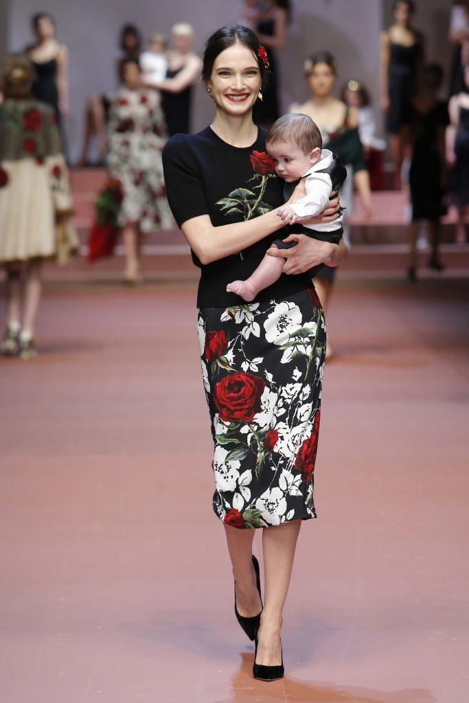 dolce-and-gabbana-winter-2016-women-fashion-show-runway-74-zoom