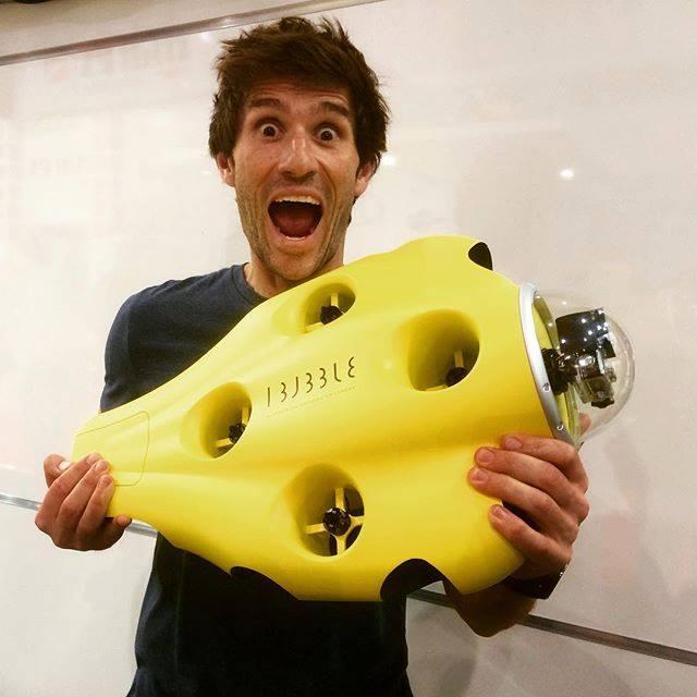 Гийом Нери с първия прототип на подводния дрон
