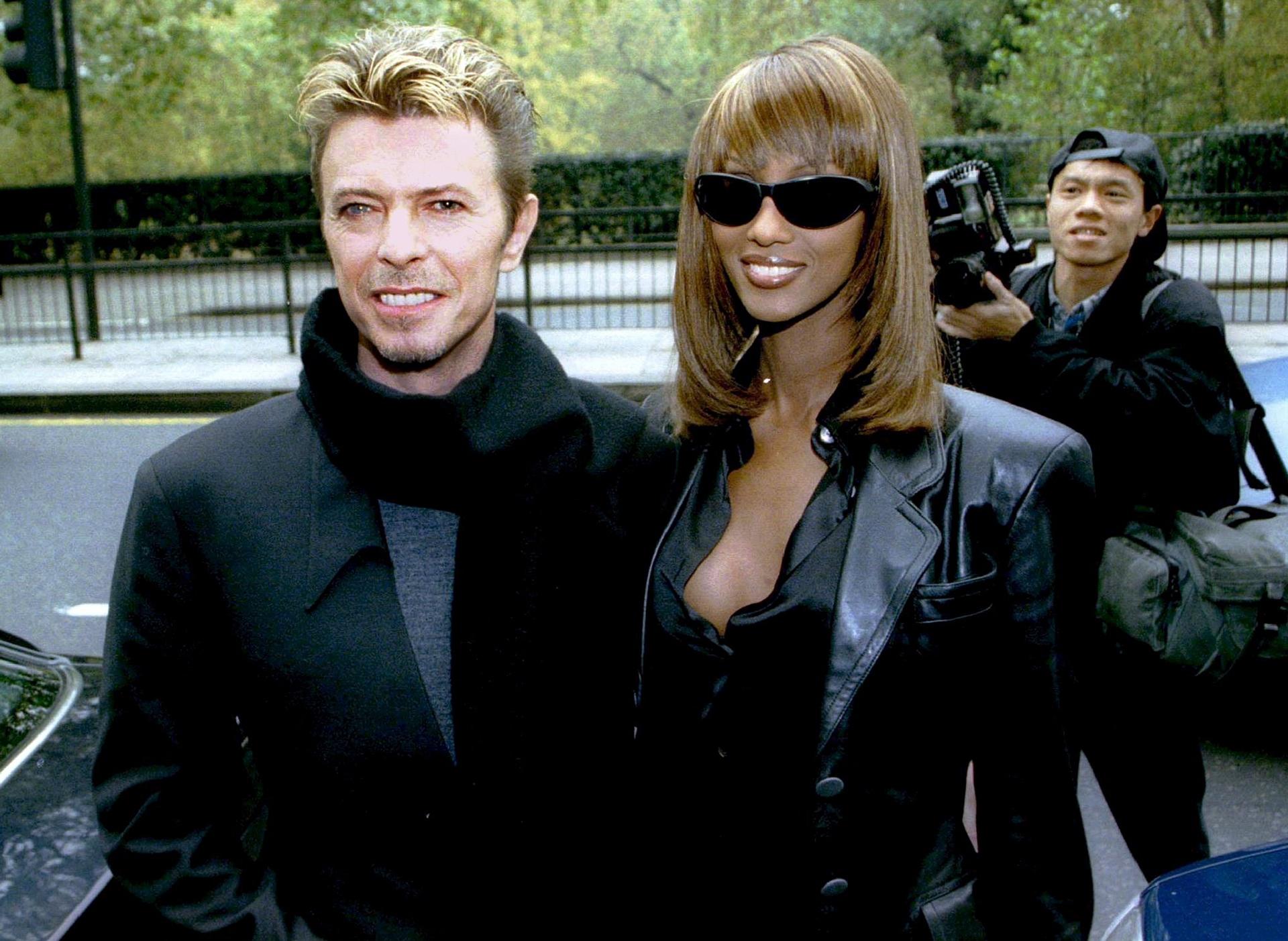 Дейвид Бауи и съпругата му Иман през 1995 г. Снимка: Simon Kreitem / Ройтерс