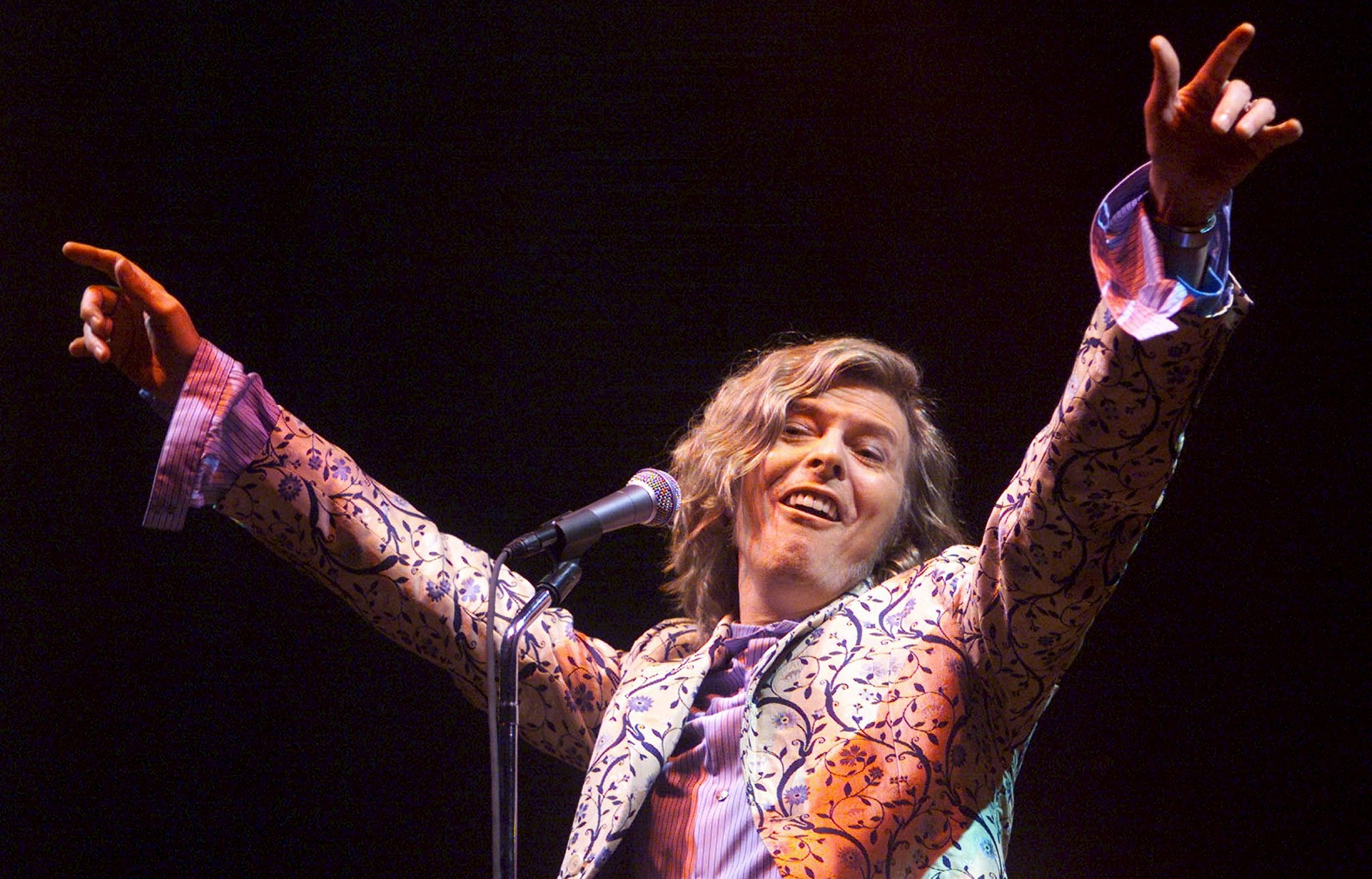 Дейвид като хедлайнер на фестивала Glastonbury Festival през 2000 Фотография Дан Чунг за Гардиън