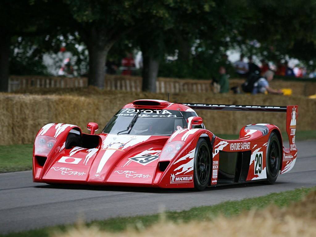 Toyota-GT-One-Race-Version-TS020-1998-1999-Photo-07