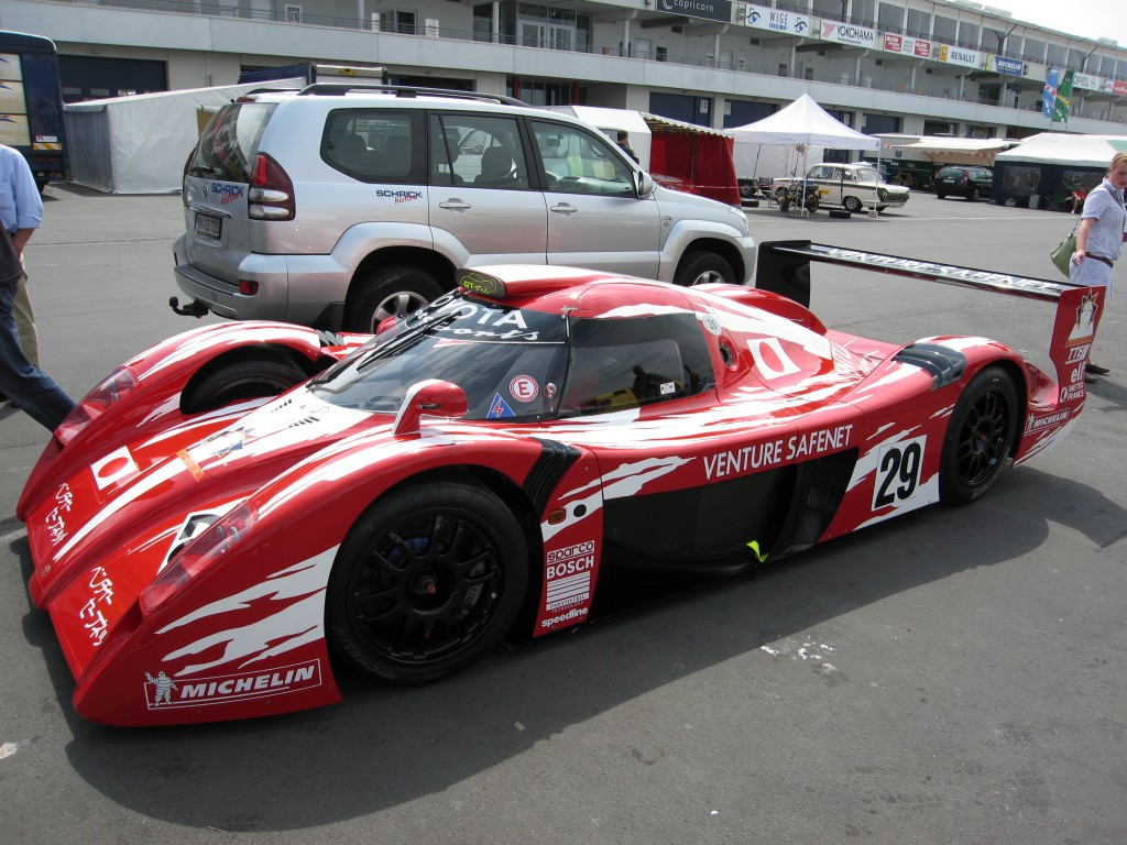 Toyota_GT-One_Nurburgring
