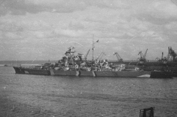 """Бисмарк през май 1941 ,малко преди началото на операция """"Райнюбунг"""""""