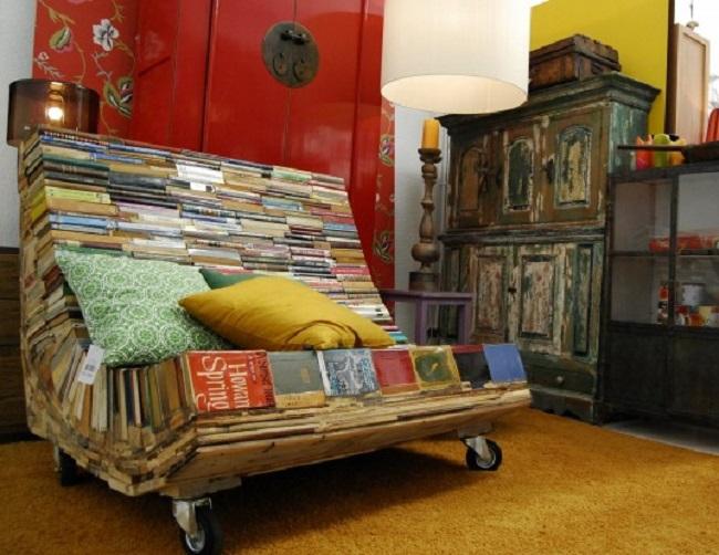 8. Най-удобното място за четене на книги е... върху тях.