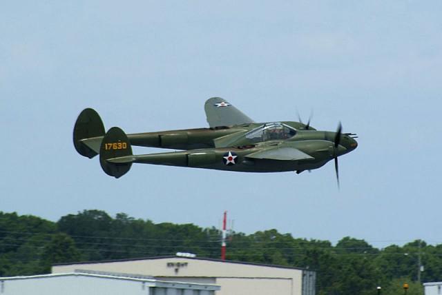 Lockheed_P-38F-1-LO_Lightning_Glacier_Girl_41-7630_NX17630_Takeoff_03_SNF_04April2014_14606453233-640x428