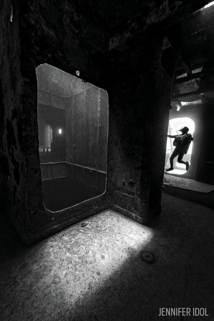 scuba-diver-kittiwake-inside-underwater-black-white